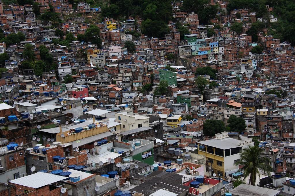 Фавела Росарио, Рио
