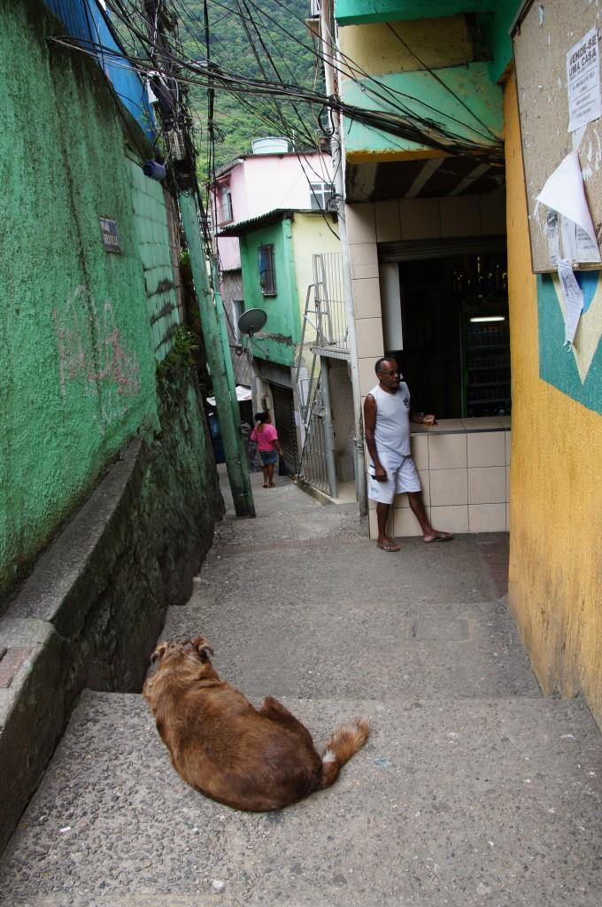 фавела Vila Canoas, Рио