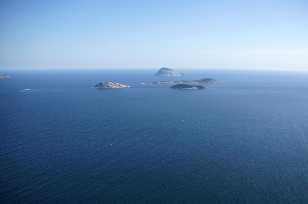 Необитаемые острова в Атлантическом океане