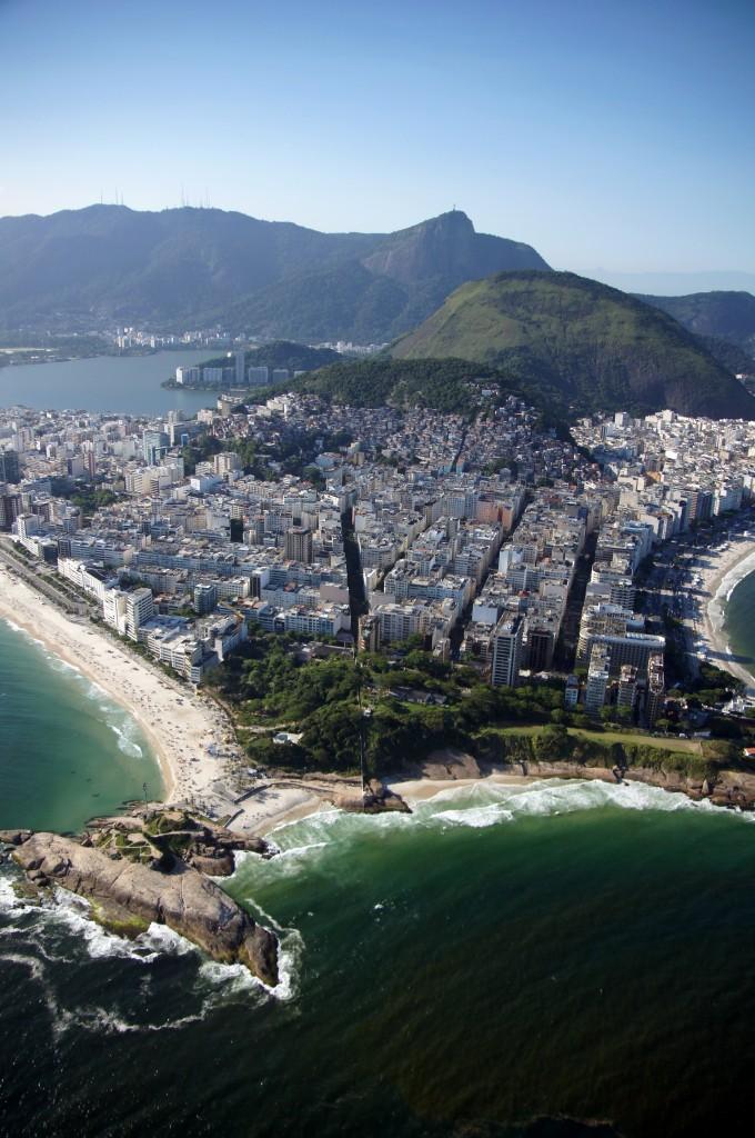 Между Ипанемой и Копакабаной, Рио