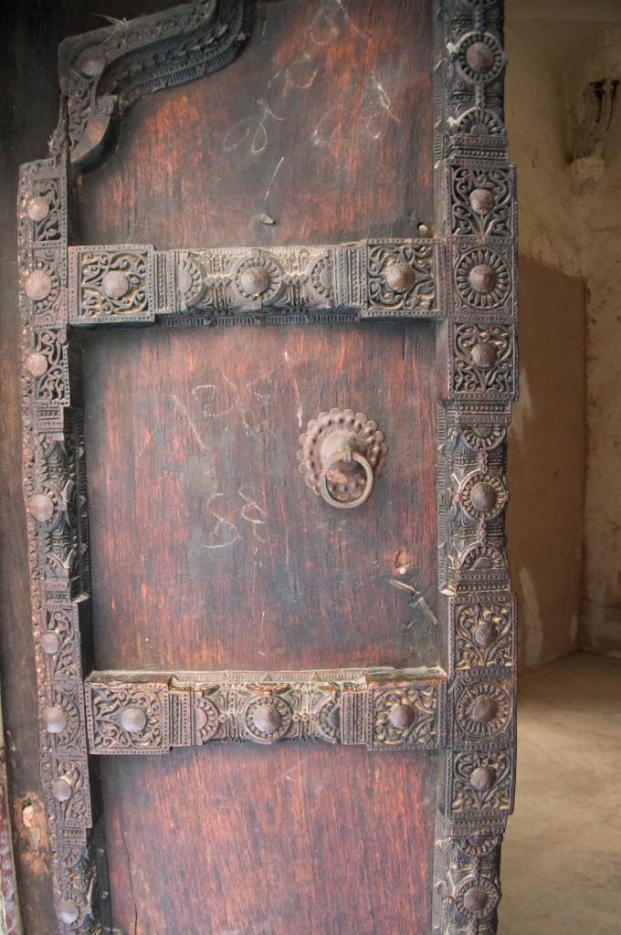 Массивные двери, Форт Амбер