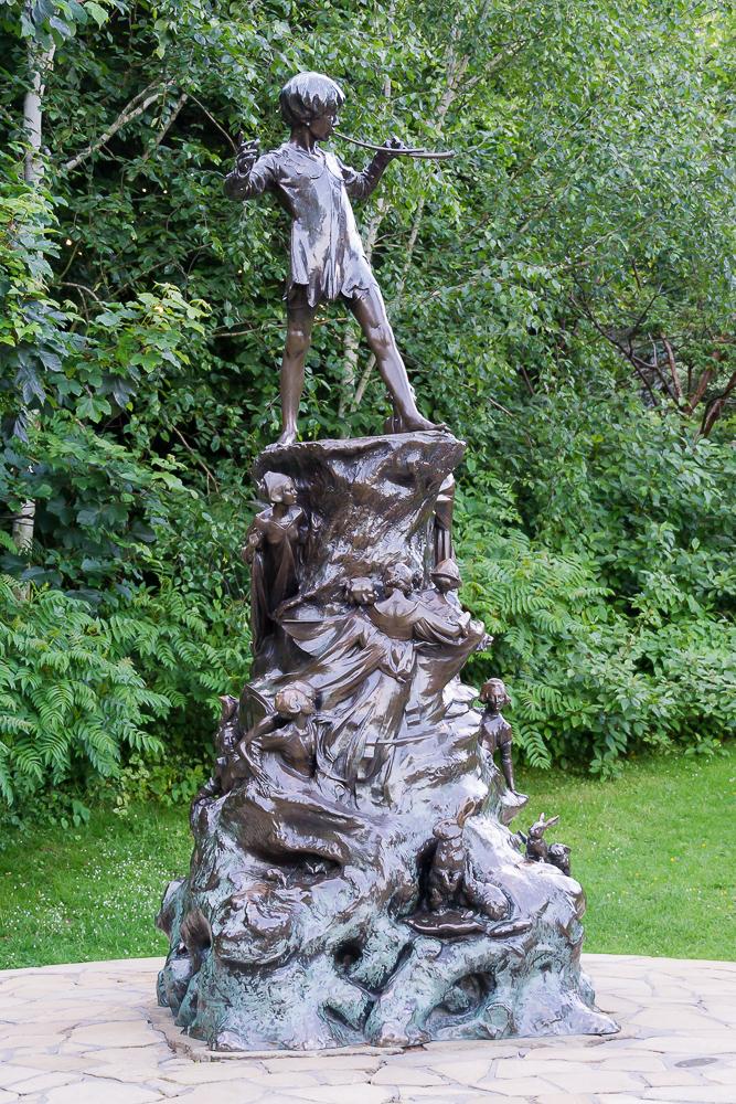Статуя Питера Пэна