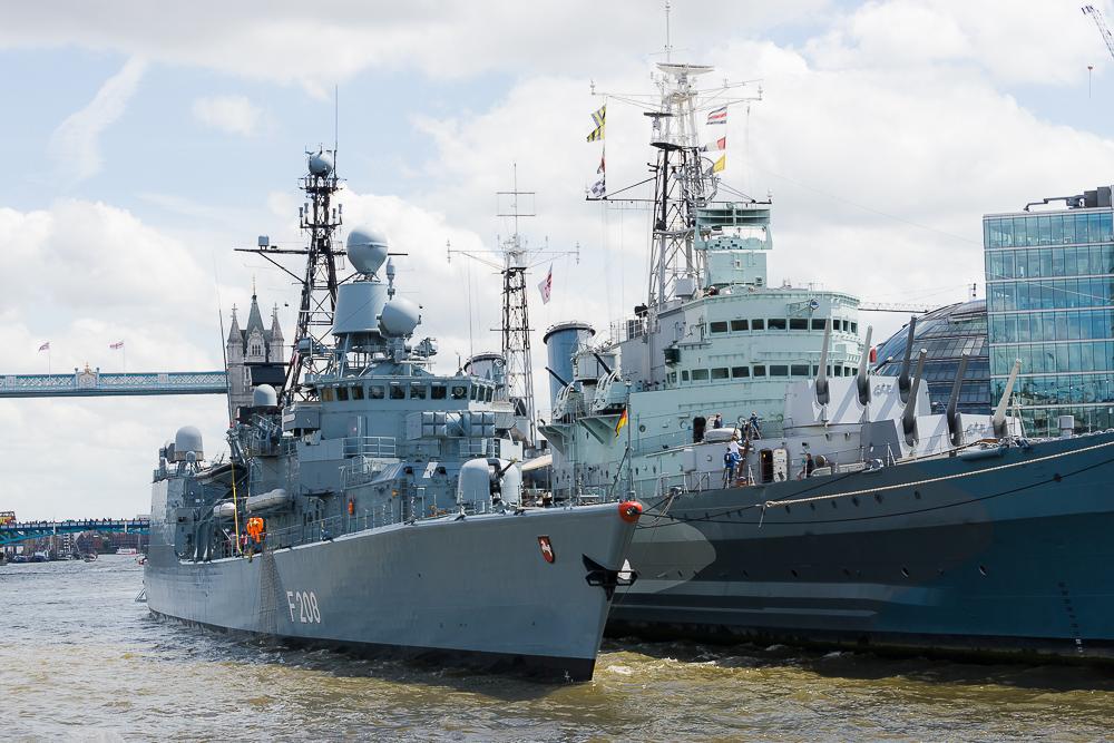 Круиз по Темзе, военные корабли