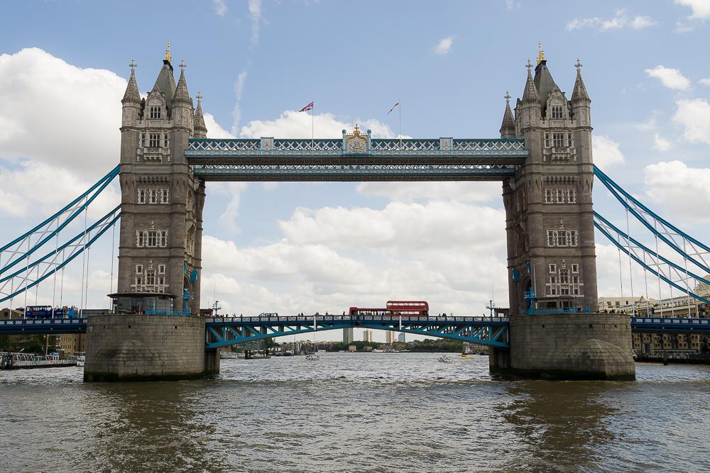 Круиз по Темзе, Тауэрский мост