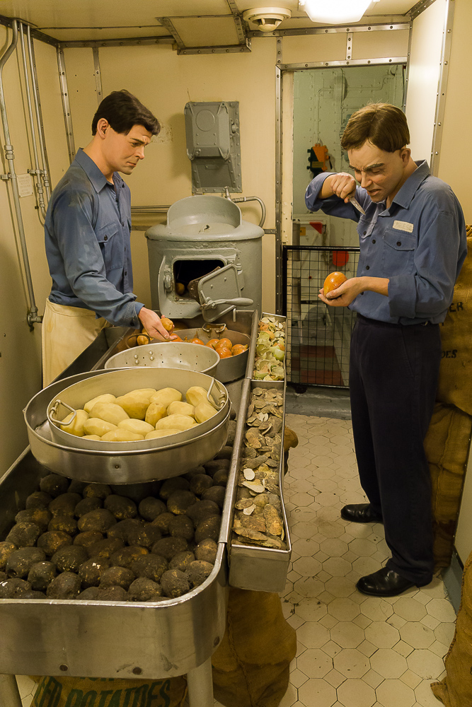 Чистка лука и картошки