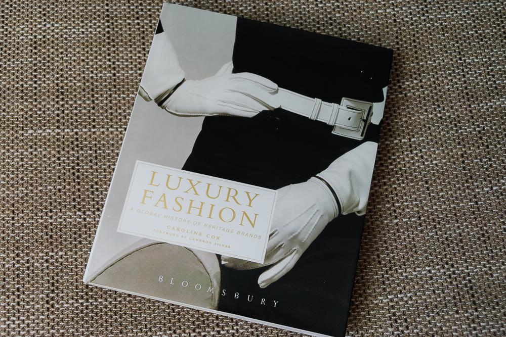 Книга об истории моды