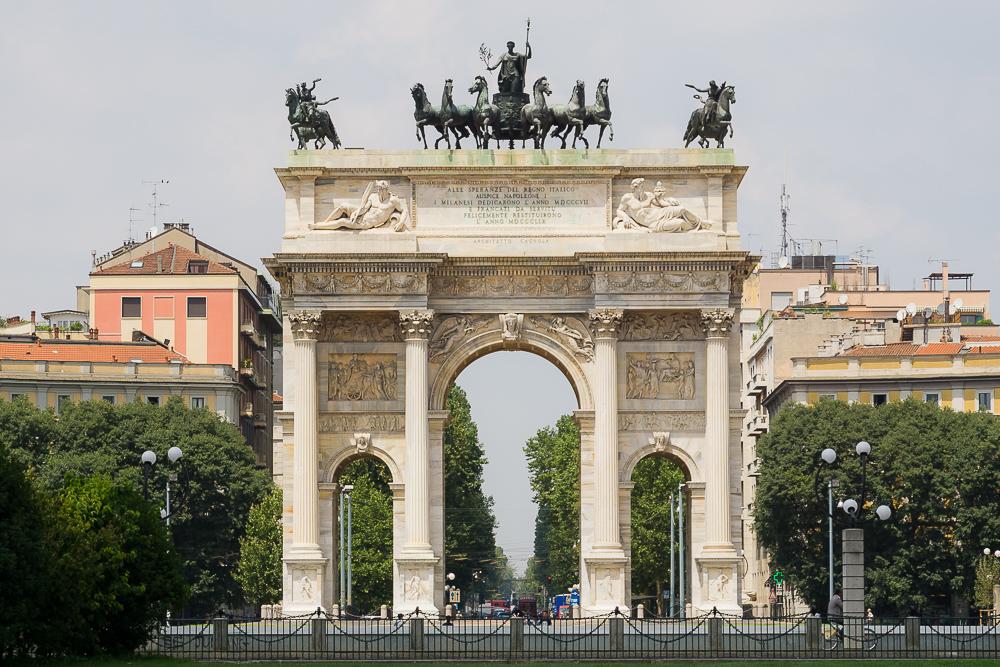 Арка мира, Милан