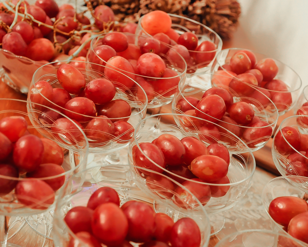 12 виноградин счастья