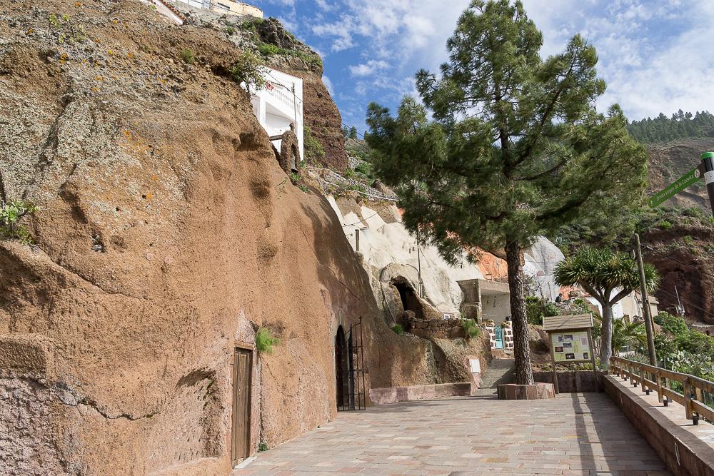 пещерная церковь Ла-Эрмита-де-ла-Куэвита