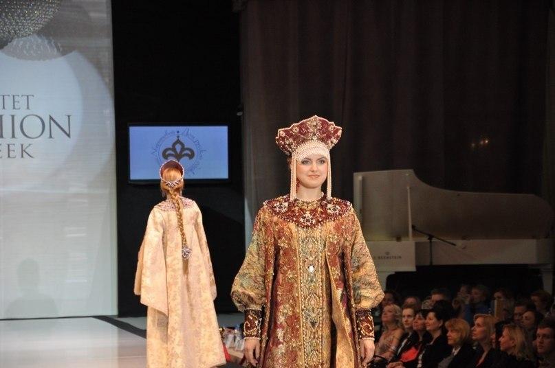 Показ Дома Русской Одежды Валентины Аверьяновой. Estet Fashion Week 2015