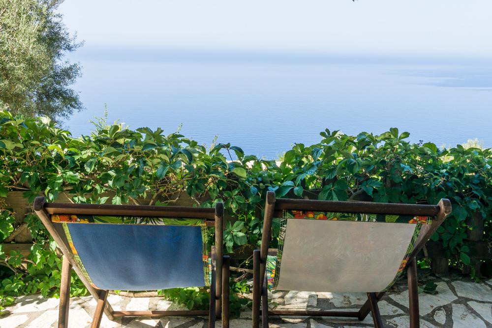 Вид на Ионическое море с террасы виллы