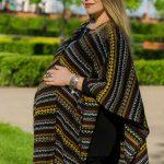 Беременный стиль с этническими мотивами
